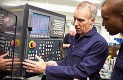 Conducteur d'installation et de machines automatisées